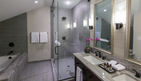 The Veranda Suite Luxury Bathroom